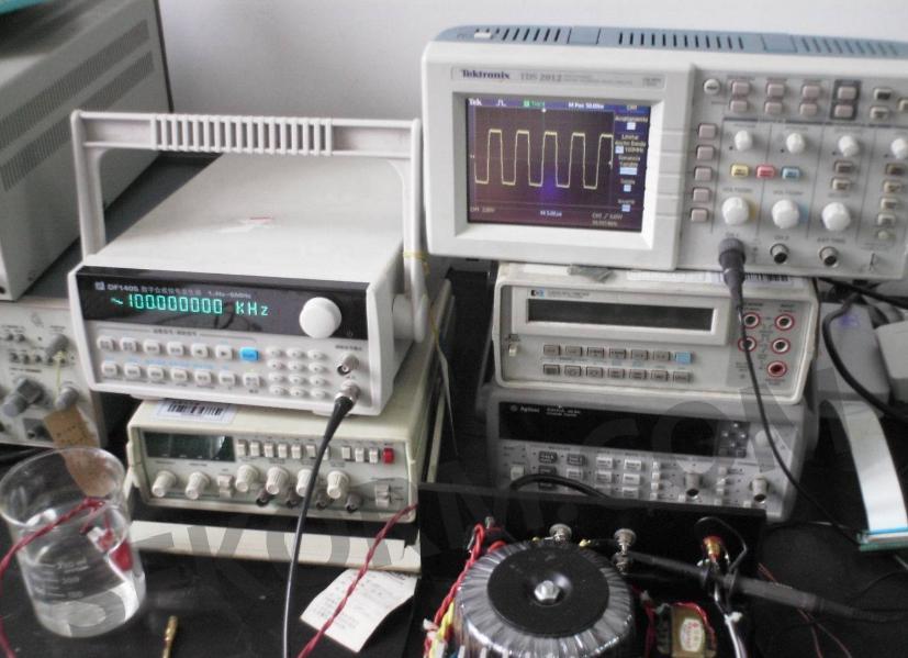 基于isl28006的汽车直流无刷电机电流放大器电路设计方案